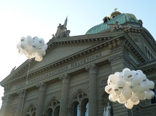 Basel balloons at the Bundesplatz in Bern.
